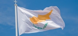 EU-Hilfen mal anders?: Zypern braucht überraschend mehr Geld | Nachricht | finanzen.net
