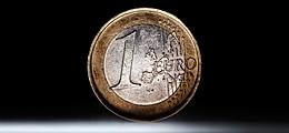 Von Moodys unbeeindruckt: Euro stabilisiert sich vorerst über 1,21 Dollar | Nachricht | finanzen.net
